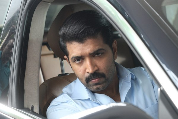 Thadam Movie Stills (1)_600x400