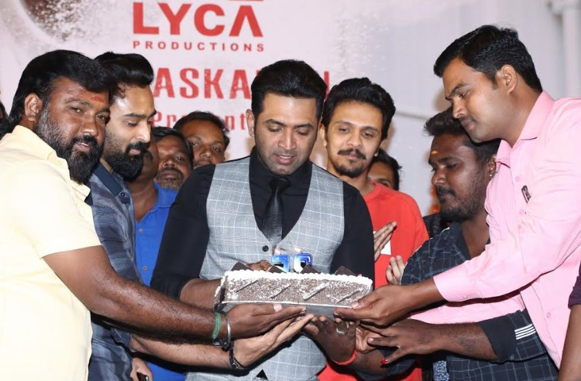 Arun Vijay Cuts Cake for 25 Years Completed