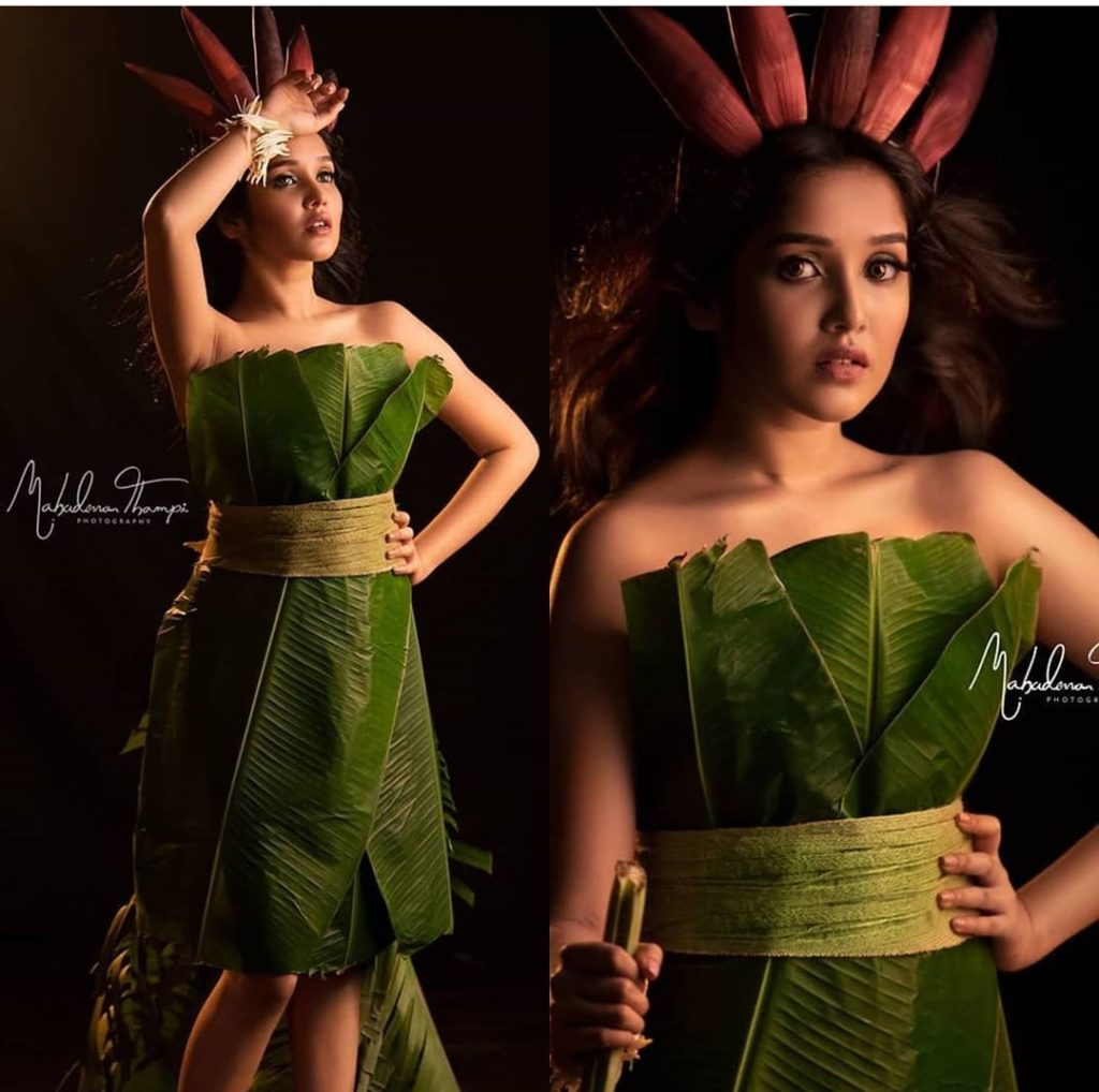 Anika Surendran Viral Photos